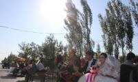 博乐市首届青年集体婚礼在乌图布拉格镇隆重举行