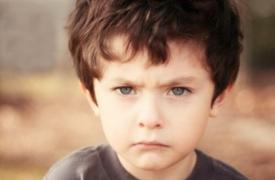 """父母如何靠近""""愤怒的孩子"""""""