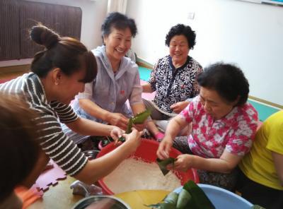 端午粽传情 社区促和谐
