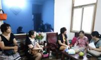 武汉市卫生威廉希尔登录委领导上门慰问二七街威廉希尔登录特扶家庭