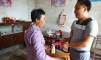 宁化县安乐乡领导带领计生协会走访慰问  传递计生温情