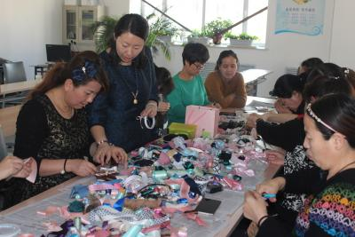 建设社区搭建妇女创业平台