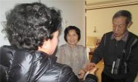 丹英社区威廉希尔登录协会春节前慰问特别奖扶家庭