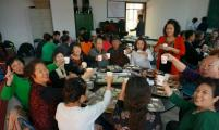 阜新市举办威廉希尔登录特殊家庭重阳节联谊会