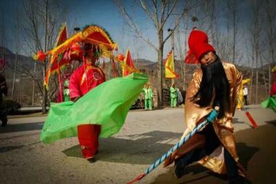 济南市历城区柳埠街道 葫芦套威廉希尔登录协组织春节民俗扮玩活动