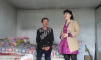 五大连池市两节期间社区威廉希尔登录协走访慰问威廉希尔登录贫困家庭剪影