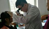 沈北站前社区计生协开展免费眼科检查活动