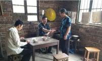 东安县花桥镇计生协采取多种形式为贫困母亲送温暖