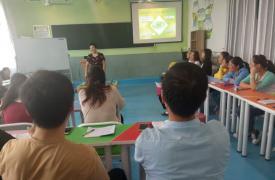 大荔县青春健康教育示范基地举办沙盘游戏心理疗法培训班