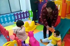 """铜陵市天井湖社区计生协开展""""亲子早教进社区""""主题活动"""