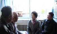 大连市计划生育协会温雪琼会长走访慰问计生困难家庭