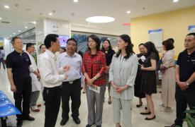 中国威廉希尔登录协专职副会长姚瑛一行到昆明市调研优生优育指导中心建设工作