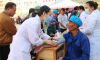 云南省怒江州开展情系乡亲暖心安居卫生健康志愿服务活动